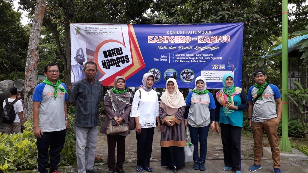 Bakti Kampus UST di Gajah Wong Educational Park RW 08 Kel Pandeyan, Jumat, 28-12-2018